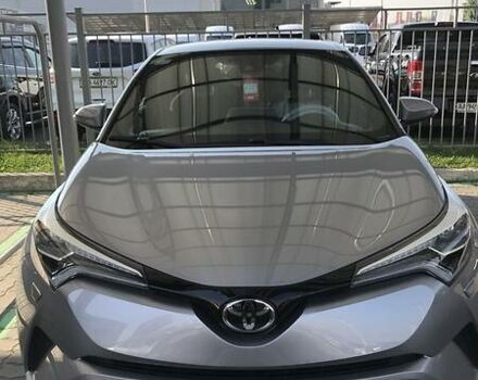 Серый Тойота C-HR, объемом двигателя 1.2 л и пробегом 53 тыс. км за 20000 $, фото 1 на Automoto.ua