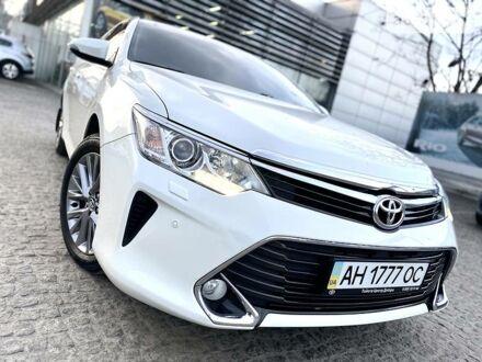 Белый Тойота Камри, объемом двигателя 2.5 л и пробегом 71 тыс. км за 21999 $, фото 1 на Automoto.ua