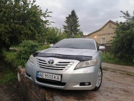 Серебряный Тойота Камри, объемом двигателя 3.5 л и пробегом 1 тыс. км за 10800 $, фото 1 на Automoto.ua
