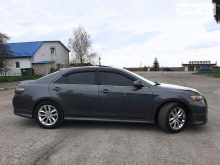 Серый Тойота Камри, объемом двигателя 2.4 л и пробегом 226 тыс. км за 11500 $, фото 1 на Automoto.ua