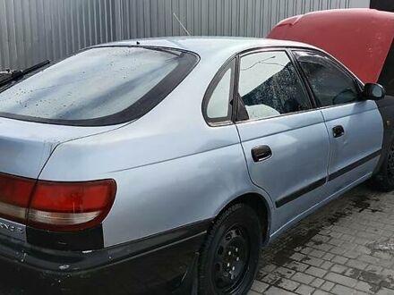 Синій Тойота Каріна, об'ємом двигуна 1.6 л та пробігом 200 тис. км за 2200 $, фото 1 на Automoto.ua
