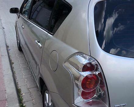 Серый Тойота Королла Версо, объемом двигателя 2 л и пробегом 260 тыс. км за 6950 $, фото 1 на Automoto.ua