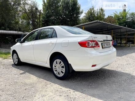 Белый Тойота Королла, объемом двигателя 1.6 л и пробегом 30 тыс. км за 13999 $, фото 1 на Automoto.ua
