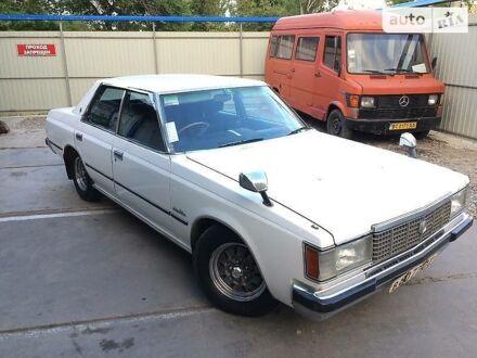 Белый Тойота Краун, объемом двигателя 0 л и пробегом 135 тыс. км за 8000 $, фото 1 на Automoto.ua