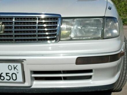 Белый Тойота Краун, объемом двигателя 2.4 л и пробегом 450 тыс. км за 5200 $, фото 1 на Automoto.ua