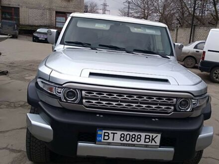 Серый Тойота ФЖ Крузер, объемом двигателя 4 л и пробегом 152 тыс. км за 23000 $, фото 1 на Automoto.ua