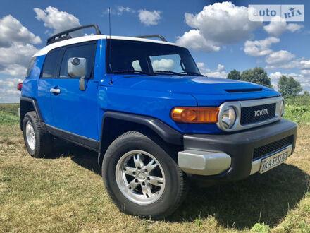 Синий Тойота ФЖ Крузер, объемом двигателя 4 л и пробегом 173 тыс. км за 22800 $, фото 1 на Automoto.ua