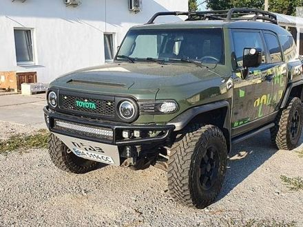 Зеленый Тойота ФЖ Крузер, объемом двигателя 4 л и пробегом 79 тыс. км за 35100 $, фото 1 на Automoto.ua