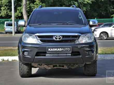 Черный Тойота Фортунер, объемом двигателя 4 л и пробегом 185 тыс. км за 13500 $, фото 1 на Automoto.ua