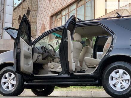 Черный Тойота Фортунер, объемом двигателя 4 л и пробегом 178 тыс. км за 14950 $, фото 1 на Automoto.ua