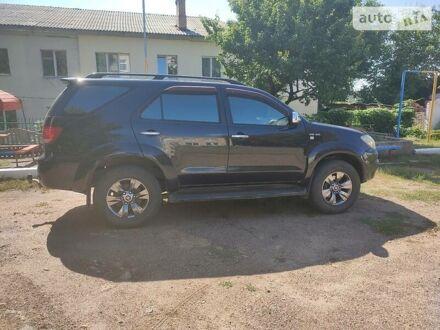 Черный Тойота Фортунер, объемом двигателя 4 л и пробегом 202 тыс. км за 14599 $, фото 1 на Automoto.ua