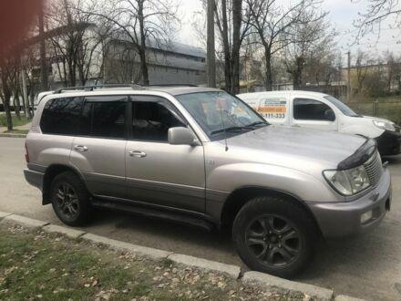 Серебряный Тойота Ленд Крузер 100, объемом двигателя 0.05 л и пробегом 413 тыс. км за 14000 $, фото 1 на Automoto.ua