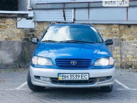 Синий Тойота Пикник, объемом двигателя 2 л и пробегом 350 тыс. км за 4777 $, фото 1 на Automoto.ua