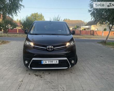 Черный Тойота Proace, объемом двигателя 2 л и пробегом 15 тыс. км за 39999 $, фото 1 на Automoto.ua