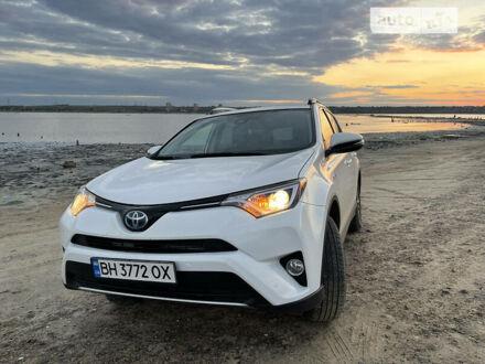 Белый Тойота РАВ 4, объемом двигателя 2.5 л и пробегом 129 тыс. км за 24900 $, фото 1 на Automoto.ua