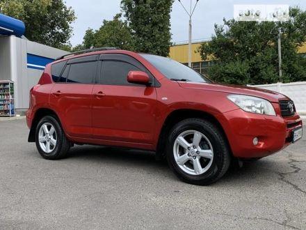 Красный Тойота РАВ 4, объемом двигателя 2 л и пробегом 157 тыс. км за 10999 $, фото 1 на Automoto.ua