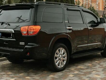 Черный Тойота Секвойя, объемом двигателя 5.7 л и пробегом 127 тыс. км за 35700 $, фото 1 на Automoto.ua