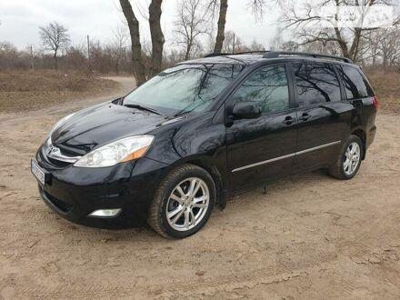 Черный Тойота Сиенна, объемом двигателя 3.5 л и пробегом 262 тыс. км за 13400 $, фото 1 на Automoto.ua