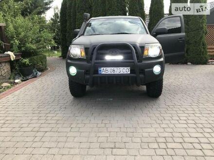 Черный Тойота Такома, объемом двигателя 4 л и пробегом 238 тыс. км за 13000 $, фото 1 на Automoto.ua