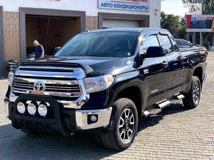 Черный Тойота Тундра, объемом двигателя 5.7 л и пробегом 46 тыс. км за 42500 $, фото 1 на Automoto.ua