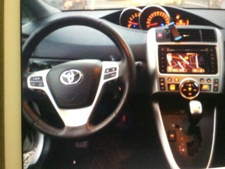 Сірий Тойота Версо, об'ємом двигуна 2.2 л та пробігом 208 тис. км за 10800 $, фото 1 на Automoto.ua