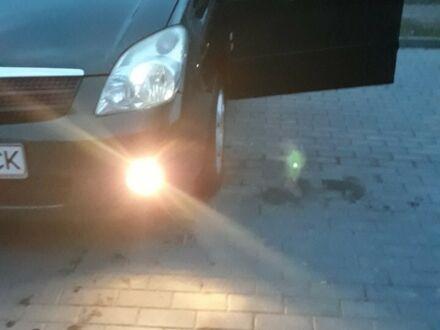 Зеленый Тойота Версо, объемом двигателя 2 л и пробегом 243 тыс. км за 6500 $, фото 1 на Automoto.ua
