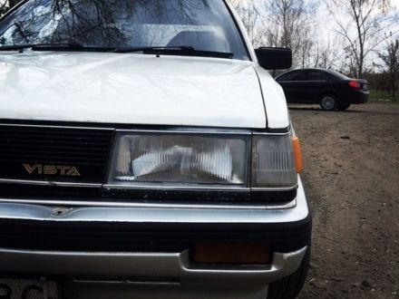 Білий Тойота Віста, об'ємом двигуна 1.8 л та пробігом 450 тис. км за 1100 $, фото 1 на Automoto.ua