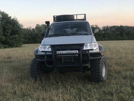 Серый УАЗ 3163, объемом двигателя 2.7 л и пробегом 130 тыс. км за 10000 $, фото 1 на Automoto.ua