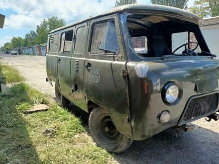 Зелений УАЗ 3909, об'ємом двигуна 2.4 л та пробігом 1 тис. км за 2000 $, фото 1 на Automoto.ua