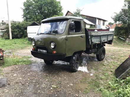 Зелений УАЗ 452П, об'ємом двигуна 2.4 л та пробігом 500 тис. км за 2600 $, фото 1 на Automoto.ua