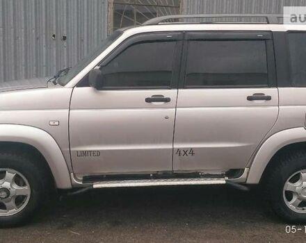 Срібний УАЗ Патриот, об'ємом двигуна 2.7 л та пробігом 100 тис. км за 7600 $, фото 1 на Automoto.ua
