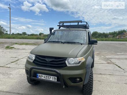 Зелений УАЗ Патриот, об'ємом двигуна 2.2 л та пробігом 77 тис. км за 12000 $, фото 1 на Automoto.ua