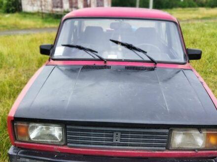 Красный ВАЗ 2105, объемом двигателя 1.5 л и пробегом 160 тыс. км за 559 $, фото 1 на Automoto.ua