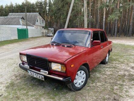 Красный ВАЗ 2107, объемом двигателя 1.6 л и пробегом 189 тыс. км за 1170 $, фото 1 на Automoto.ua