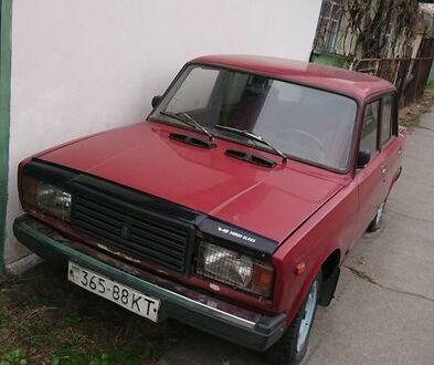 Красный ВАЗ 2107, объемом двигателя 1.6 л и пробегом 90 тыс. км за 787 $, фото 1 на Automoto.ua
