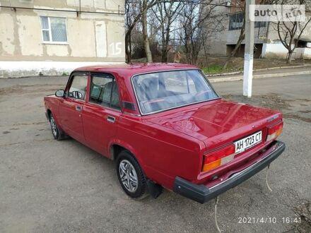 Красный ВАЗ 2107, объемом двигателя 1.5 л и пробегом 72 тыс. км за 2750 $, фото 1 на Automoto.ua