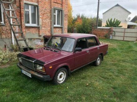 Вишнёвый ВАЗ 2107, объемом двигателя 1.5 л и пробегом 216 тыс. км за 1300 $, фото 1 на Automoto.ua