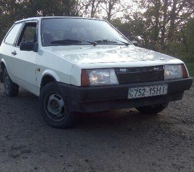 Бежевый ВАЗ 2108, объемом двигателя 1.3 л и пробегом 100 тыс. км за 1500 $, фото 1 на Automoto.ua