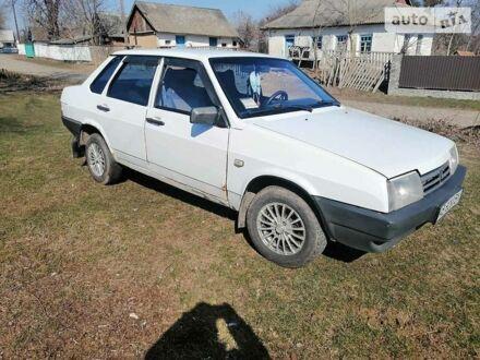Белый ВАЗ 21099, объемом двигателя 1.5 л и пробегом 150 тыс. км за 1800 $, фото 1 на Automoto.ua