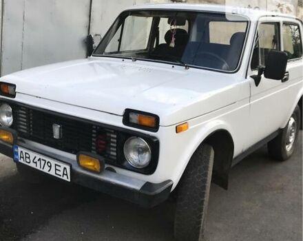 Белый ВАЗ 2121, объемом двигателя 1.5 л и пробегом 300 тыс. км за 2100 $, фото 1 на Automoto.ua