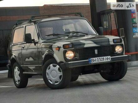 Зелений ВАЗ 2121, об'ємом двигуна 1.6 л та пробігом 100 тис. км за 3200 $, фото 1 на Automoto.ua