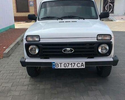 Белый ВАЗ 21214, объемом двигателя 1.7 л и пробегом 63 тыс. км за 7200 $, фото 1 на Automoto.ua