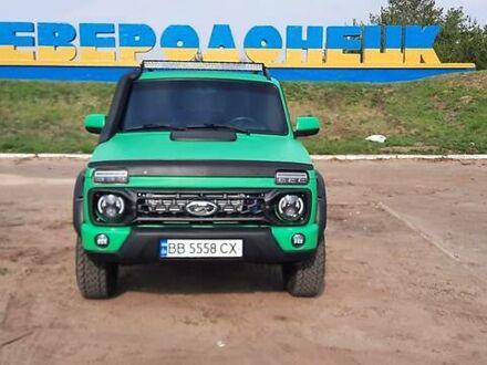 Зеленый ВАЗ 21214, объемом двигателя 1.7 л и пробегом 100 тыс. км за 12500 $, фото 1 на Automoto.ua