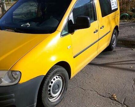Оранжевый Фольксваген Кадди пасс., объемом двигателя 2 л и пробегом 225 тыс. км за 6000 $, фото 1 на Automoto.ua
