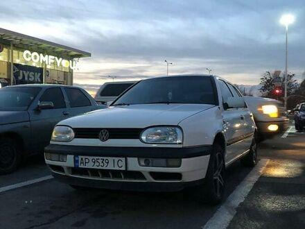 Белый Фольксваген Гольф, объемом двигателя 1.9 л и пробегом 270 тыс. км за 3700 $, фото 1 на Automoto.ua