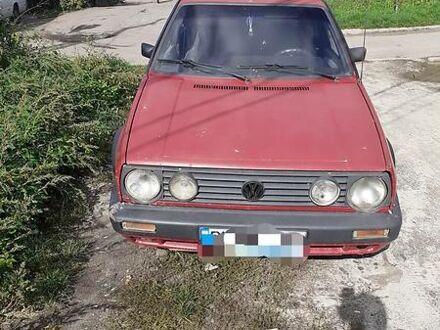 Красный Фольксваген Гольф, объемом двигателя 1.6 л и пробегом 300 тыс. км за 1500 $, фото 1 на Automoto.ua
