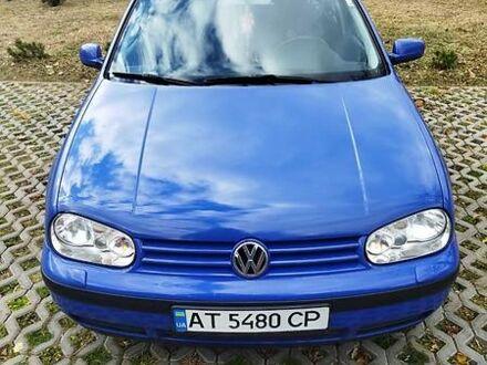 Синий Фольксваген Гольф, объемом двигателя 1.6 л и пробегом 208 тыс. км за 4650 $, фото 1 на Automoto.ua