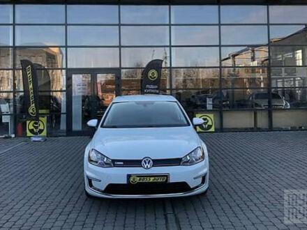 Белый Фольксваген e-Golf, объемом двигателя 0 л и пробегом 96 тыс. км за 14000 $, фото 1 на Automoto.ua