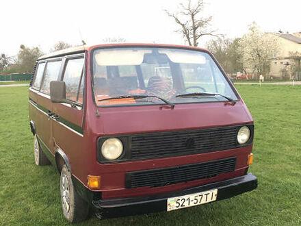 Красный Фольксваген T3 (Transporter) пасс., объемом двигателя 1.9 л и пробегом 10 тыс. км за 1900 $, фото 1 на Automoto.ua