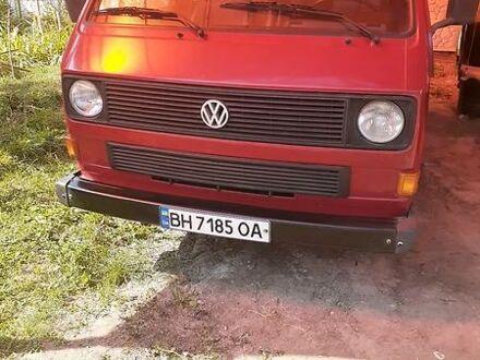 Красный Фольксваген T3 (Transporter) пасс., объемом двигателя 1.9 л и пробегом 55 тыс. км за 4400 $, фото 1 на Automoto.ua